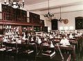 Üllői út 26. SOTE (ma Semmelweis Egyetem), a Központi Könyvtár olvasóterme (ma Semmelweis szalon). A falon Semmelweis Ignácot ábrázoló dombormű. Fortepan 74592.jpg