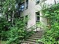 Дом, в котором 20 лет назад жили русские военнослужащие. Elhagyott laköepulet - panoramio.jpg