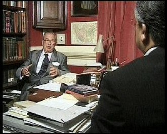 Peter Avery - Peter Avery in a TV interview with the Iranian journalist, Ali Akbar Abdolrashidi