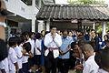 นายกรัฐมนตรี ณ ศูนย์ภูมิปัญญาไทบ้าน ที่อำเภอพิบูลมังสา - Flickr - Abhisit Vejjajiva (4).jpg