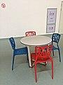 赤と青の椅子 (15797298465).jpg