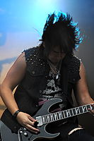 13-06-09 RaR Escape the Fate Bryan Money 05.jpg