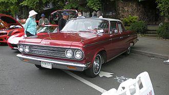 Dodge Custom 880 - 1964 Dodge 880 four-door sedan