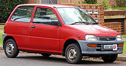 1995-1998 Daihatsu Charade Centro (L500) MS 3-door hatchback 01.jpg