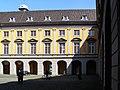 2004-04-16-bonn-universitaet-aussenansicht-arkadenhof-03.jpg