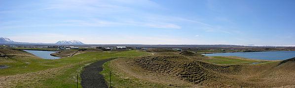 2008-05-21 22 Pseudo Craters near Skútustaðir.jpg