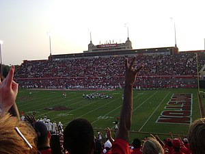 2008 Houston Cougars football team - 2008 opening season game against the Southern Jaguars at Robertson Stadium