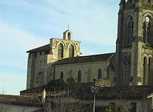 Tresses lancien clocher fortifié après restauration