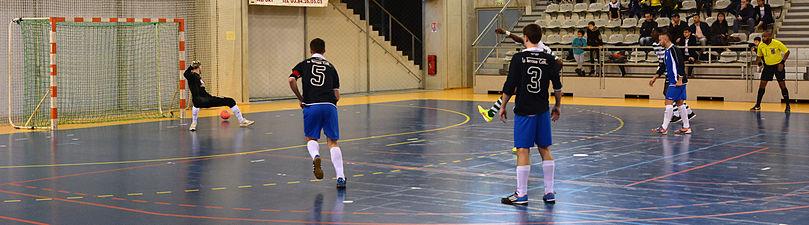 2015-02-28 17-24-18 futsal.jpg
