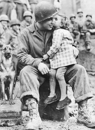 3rd Armored Division (United States) - 3d AD soldier and a young admirer