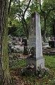 601-112-5 hrob s nahrobnikom Botto Jan.JPG