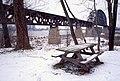 A0l037 Picnic table on bluff below L&I Bridge, Clarksville (21701988170).jpg