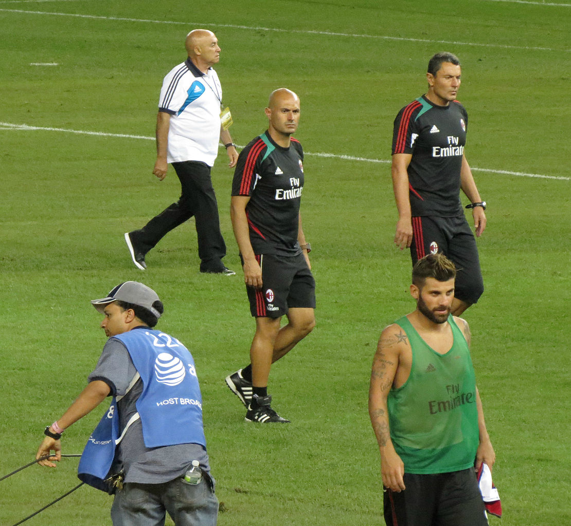 File:AC Milan coaches vs Real Madrid.jpg - Wikimedia Commons