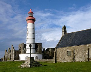 Abbacy and lighthouse of Saint-Mathieu.jpg