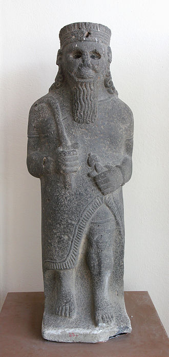 Max von Oppenheim - Statue of a male from the cult room at Tell Halaf, today at the Adana Museum, Turkey