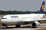 Airbus A330-343X Lufthansa D-AIKP (9402908038).jpg
