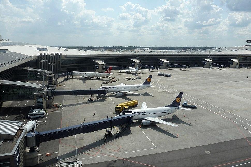 Airport, Ramp JP7551641