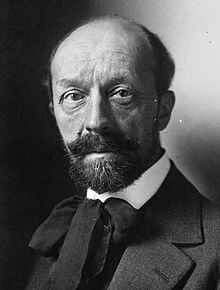 http://upload.wikimedia.org/wikipedia/commons/thumb/0/0e/Albert_Roussel_1923.jpg/220px-Albert_Roussel_1923.jpg