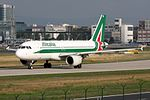 Alitalia Airbus A320-216 EI-DSD (21385484619).jpg