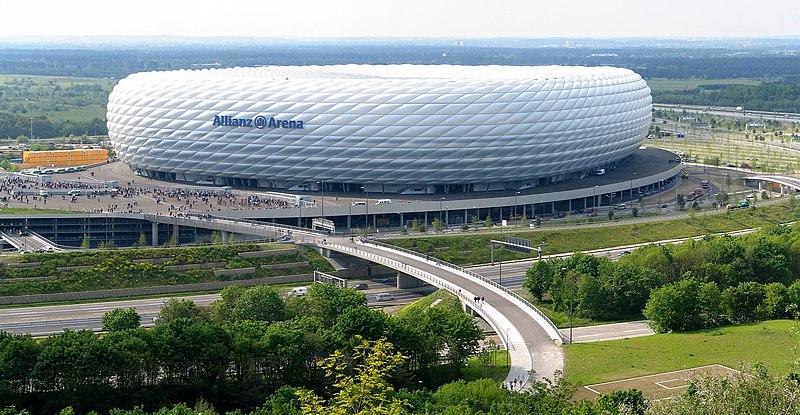 Súbor:Allianz Arena Pahu.jpg