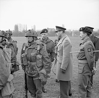 6th Airborne Division (United Kingdom) - King George VI inspects paratroopers of the 6th Airborne Division, 16 March 1944.