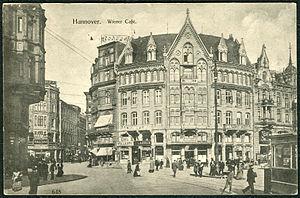 Anonymer Fotograf PC 0648 Hannover. Wiener Café. Bildseite.jpg
