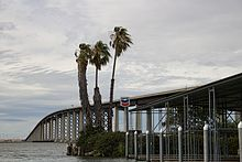 Antioch Bridge (14688694116).jpg