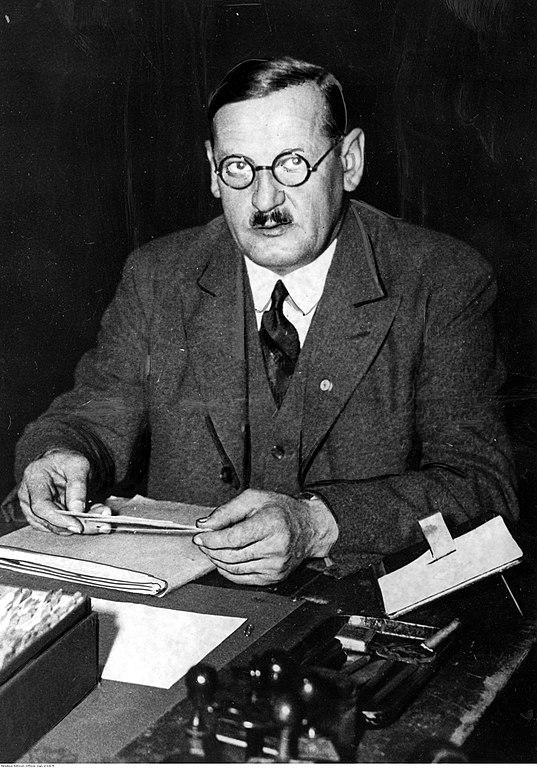 File Anton Drexler At Desk Jpg Wikimedia Commons