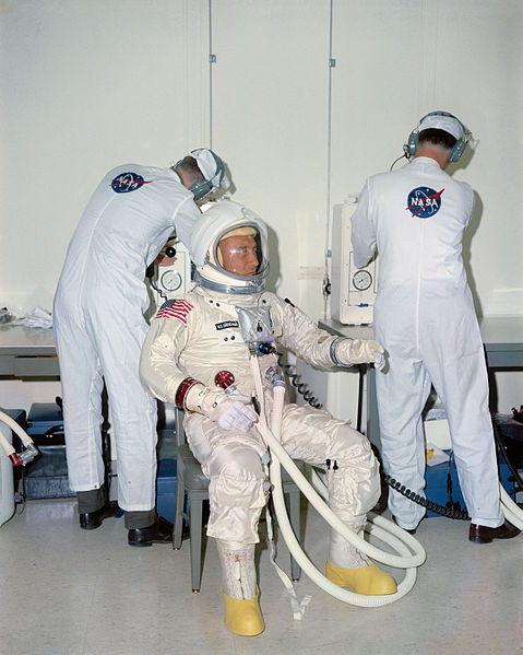 File:Apollo 1 Grissom suiting operations.jpg