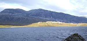 Arkle (Sutherland) - Arkle above the shores of Loch Stack