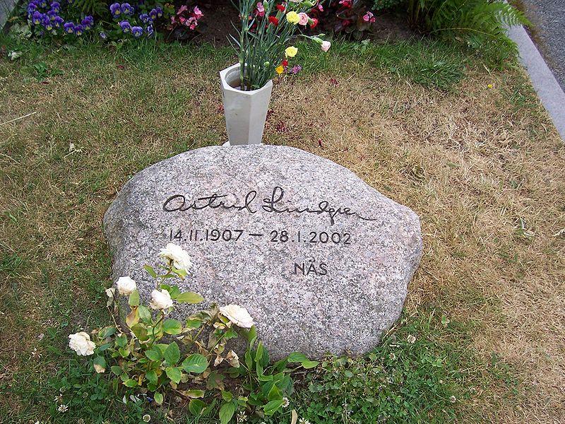 File:Astrid Lindgren Grabstein.jpg