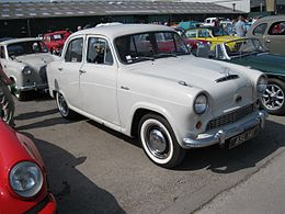 Austin A50 Cambridge (7895672352).jpg