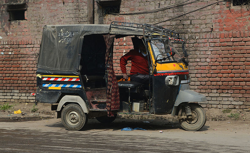 File:Auto rickshaw in India.jpg
