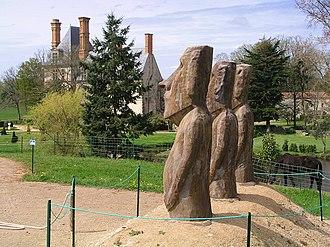 Avrillé, Vendée - Moai in the grounds of the Château de la Guignardière