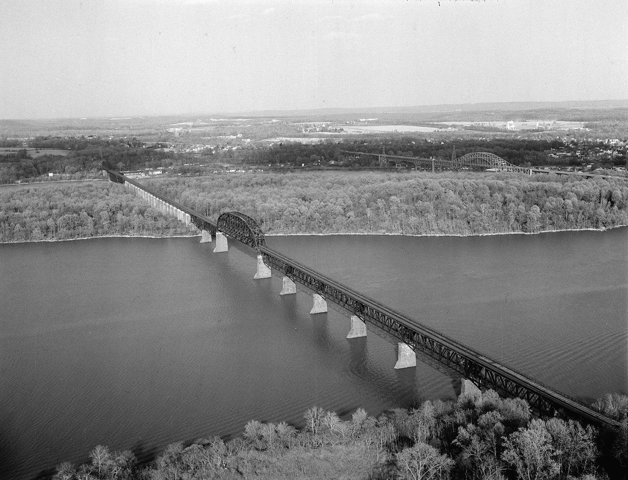 File:B&O Railroad 1908 Susquehanna River Bridge (West End).jpg - Wikimedia Commons
