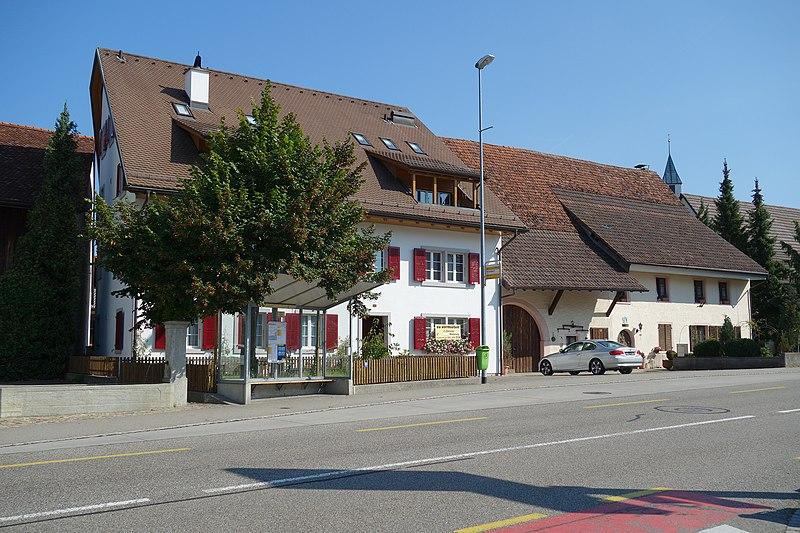 File:Bözen Hauptstr 40.jpg