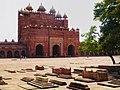 Backside of the Buland Darwaza in Fatehpur Sikri, Agra,India.jpg