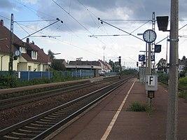 Gleise und Bahnsteige des Bahnhofs Blankenloch