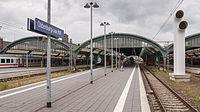 Bahnsteig(halle) des Oldenburger Hauptbahnhofs.jpg