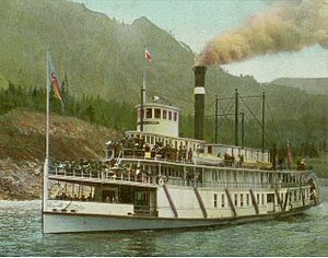Bailey Gatzert near Cascade Locks, circa 1910.jpg