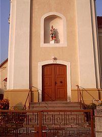 Bakonygyirot church entrance.jpg