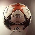 Ballon de la finale de la Champions League féminine 2011 (cropped).JPG