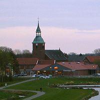 Barßel Kirche St. Cosmas und Damian.jpg