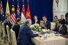 Barack Obama partoprenas la Trans-Pacific Partnership (TPP) renkontiĝon ĉe ASEAN-Pintkunveno 2012