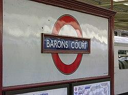 Barons Court (18509956).jpg
