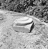 basement van een kolom bij de ruïne - batenburg - 20028142 - rce
