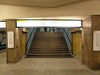 Berlin - U-Bahnhof Turmstraße (9490820140).jpg