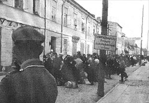 Nazi ghettos - Deportation to death camp during liquidation of the Biała Podlaska Ghetto conducted by the Reserve Police Battalion 101 in 1942