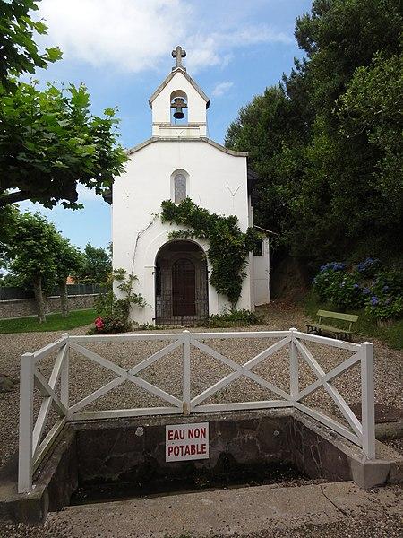 Bidart (Pyr-Atl) chapelle et fontaine, rue de la Chapelle