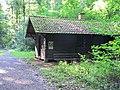 Blockhütte im Nußlocher Wald.jpg